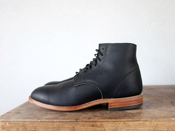 Chisos Boots in Black