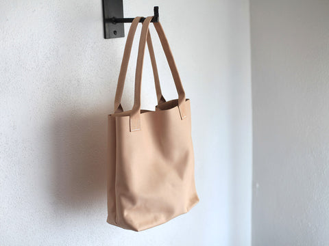 Leather Tote in Natural