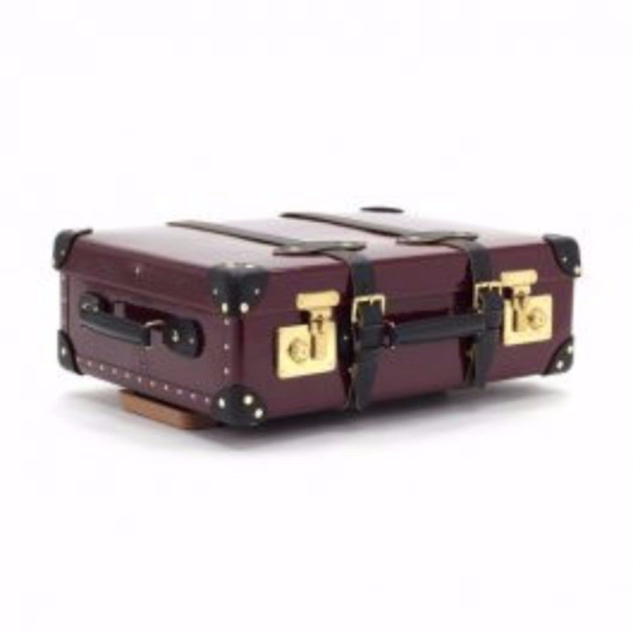 Qest 21 Inch Trolley Suitcase-Wheeled Luggage-Sterling-and-Burke