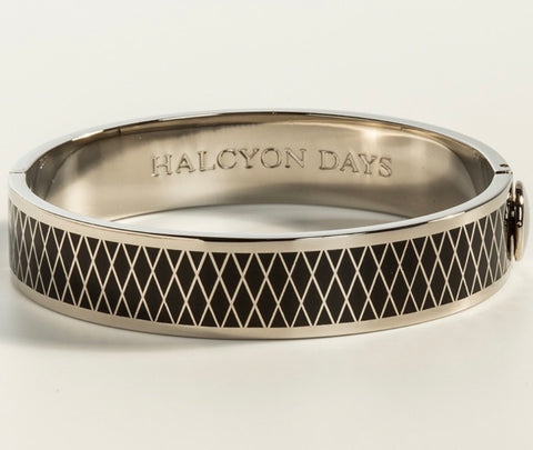 Halcyon Days 13mm Parterre Hinged Enamel Bangle in Black and Palladium