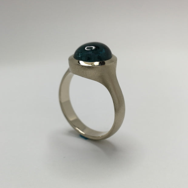 White Gold Spontaneita Ring with Blue Tourmaline