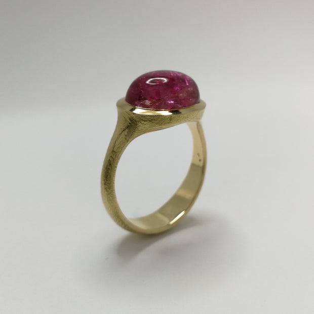 Yellow Gold Spontaneita Ring with Pink Tourmaline