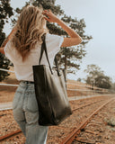 THE OVERSIZED TOTE