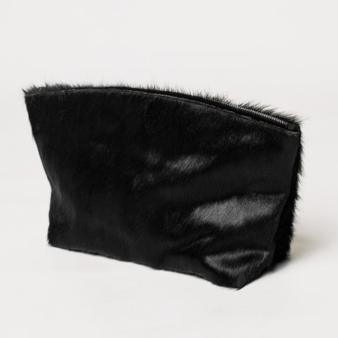 THE UNIVERSAL / Black cowhide