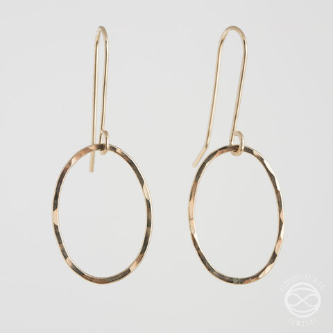 Oval Earrings in Gold