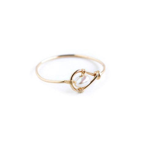 Rain Single Ring - Gold Teardrop Ring with Freshwater Pearl