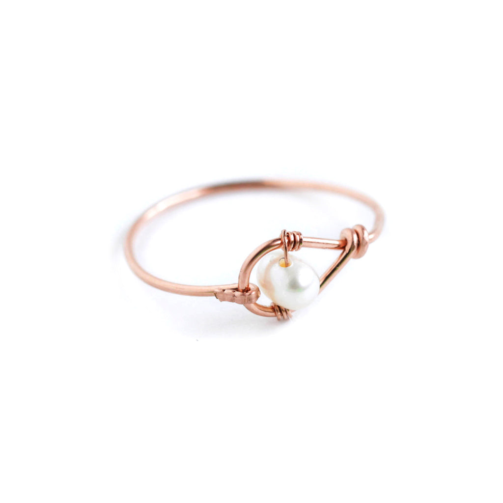 Rain Single Ring - Rose Gold Teardrop Ring with Freshwater Pearl