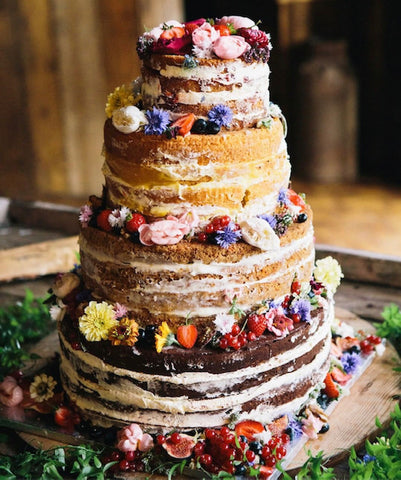 The Wonderful World of Wedding Cakes