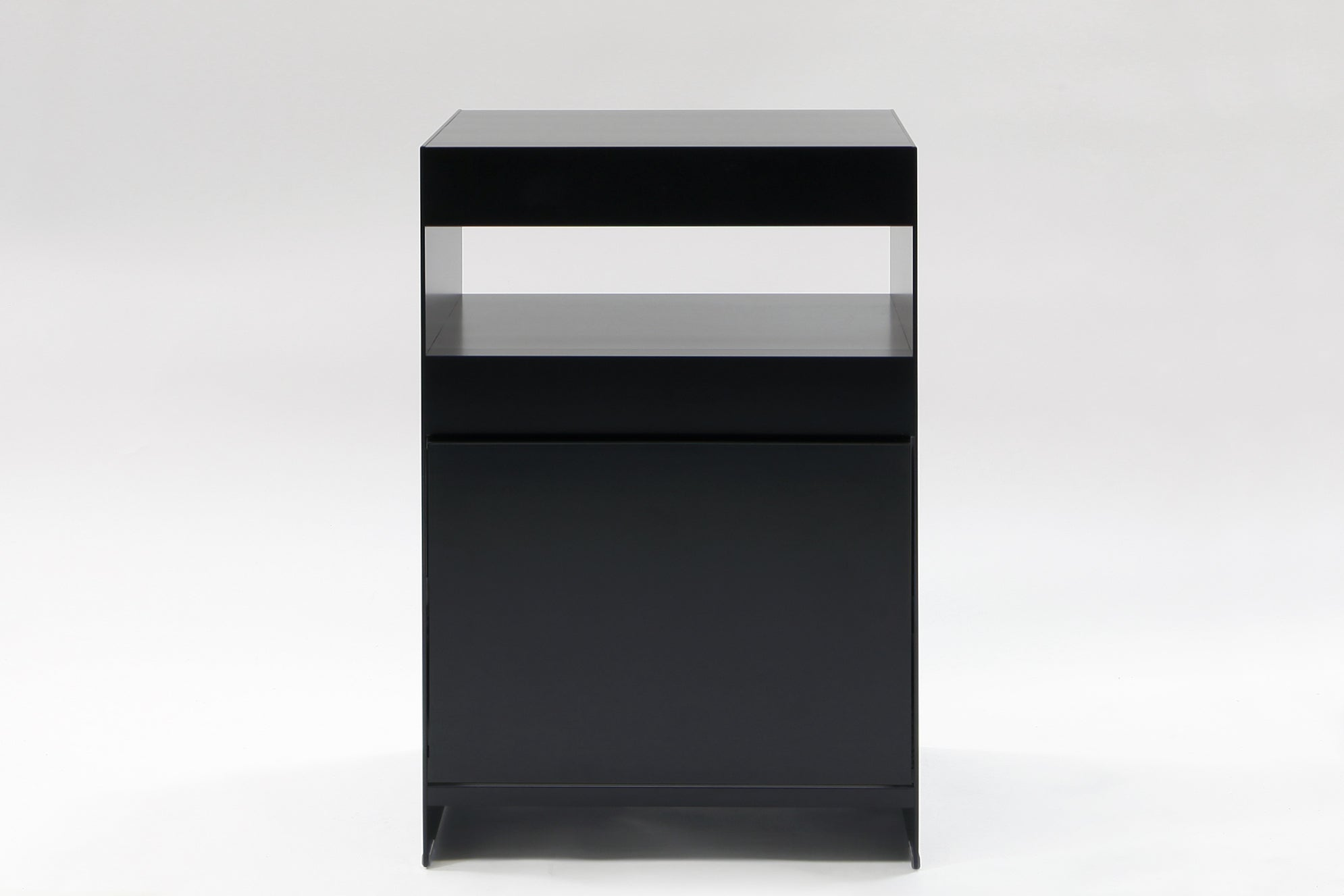 H2 Closed Side Table Black