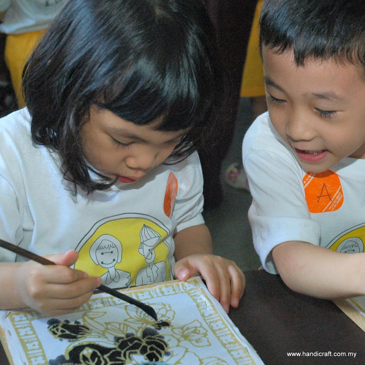 Let you kids be explore new crafts at home - batik coloring