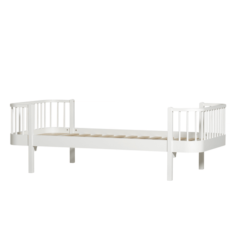 Oliver Furniture Bett Wood Collection Bed
