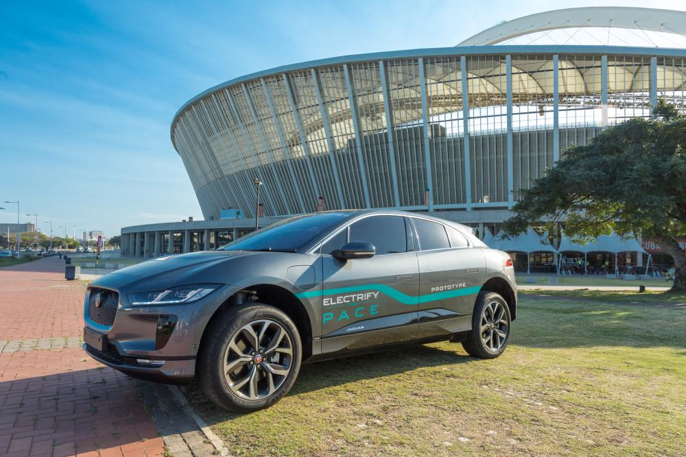 Jaguar I-PACE drives from Johannesburg to Durban