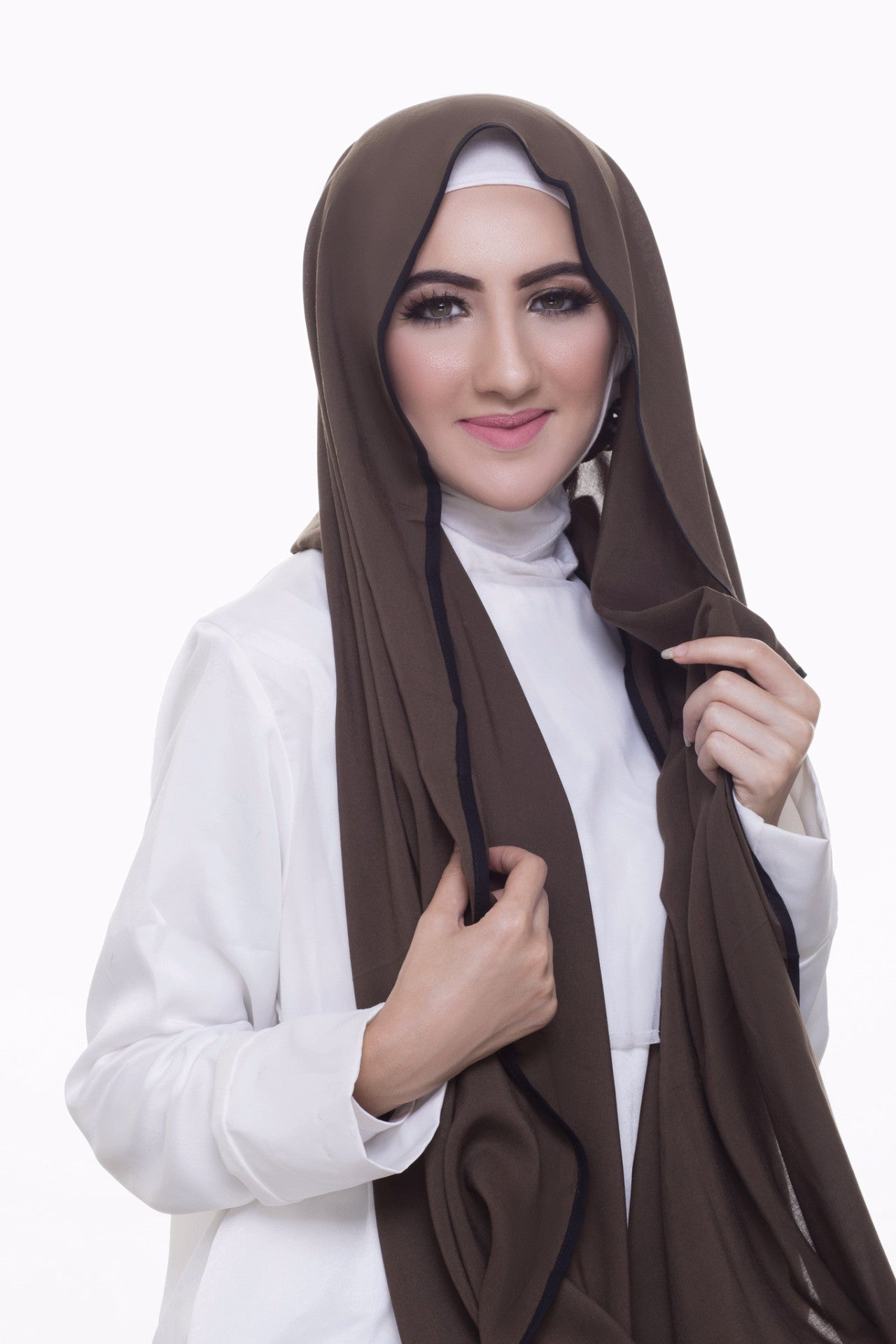 Pearl Daisy - Juniper Bordered Weightless Large Hijab - iloveza.com - 3
