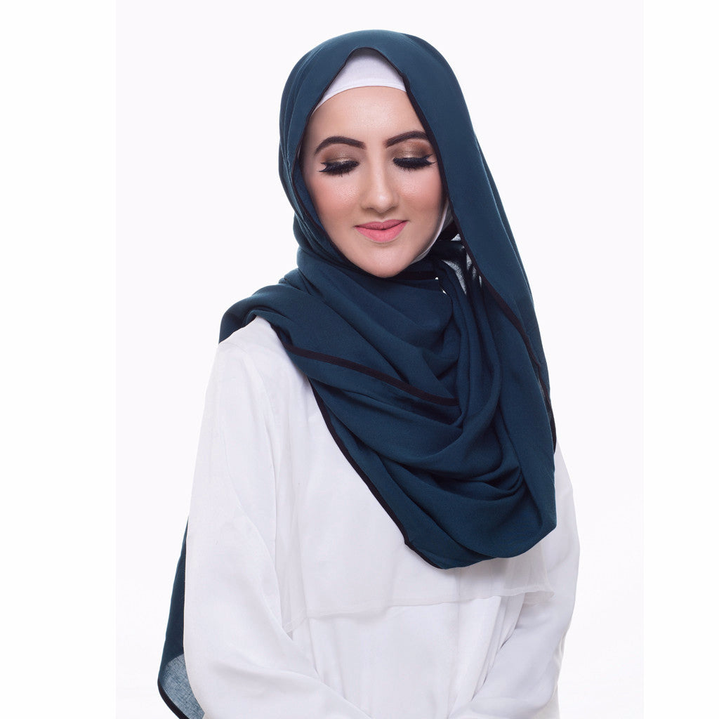Pearl Daisy - Ocean Bordered Weightless Large Hijab - iloveza.com - 2