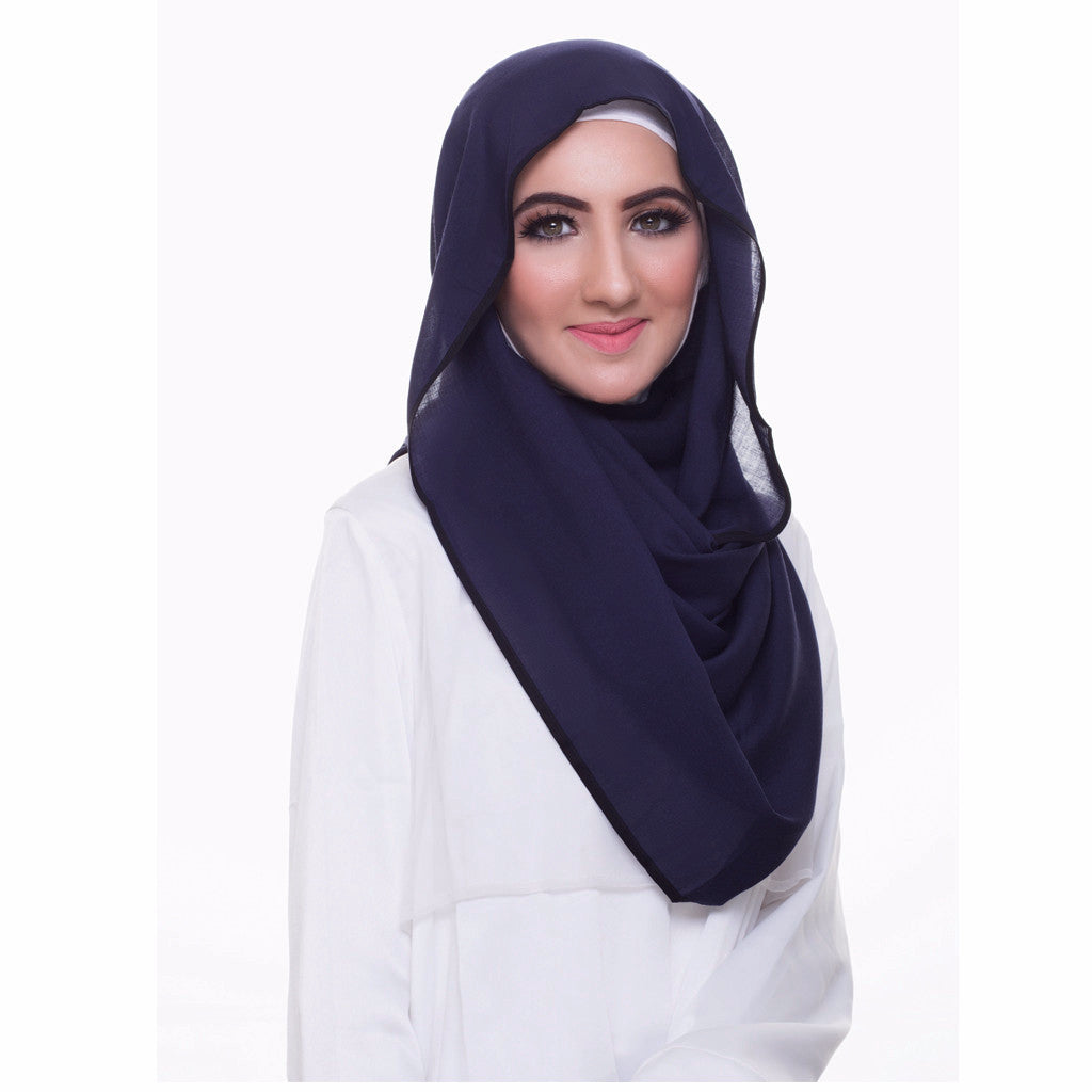 Pearl Daisy - Oxford Blue Bordered Weightless Large Hijab - iloveza.com - 2