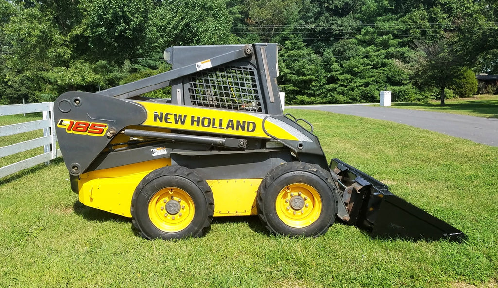 Listing #DD1497 - New Holland L185 Loader
