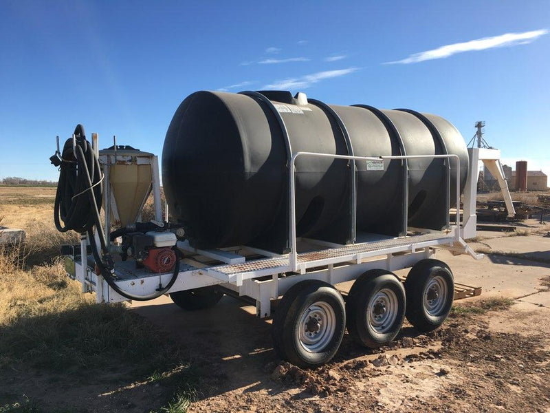 Listing #DD1548 - 8200 gallon Water Tank Trailer