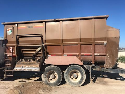 Listing #DD1023 - PRICE REDUCED J and A 1400 Mixer/Haycruncher