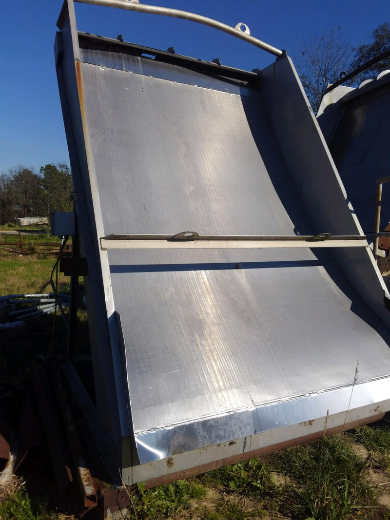 #DD1739 - US Farm Systems Manure Screen Separator
