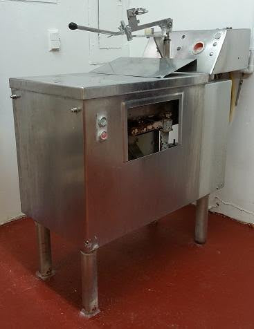 Listing #DD1258 - PRICE REDUCED (50%) Scholle Liquid Bag Filler