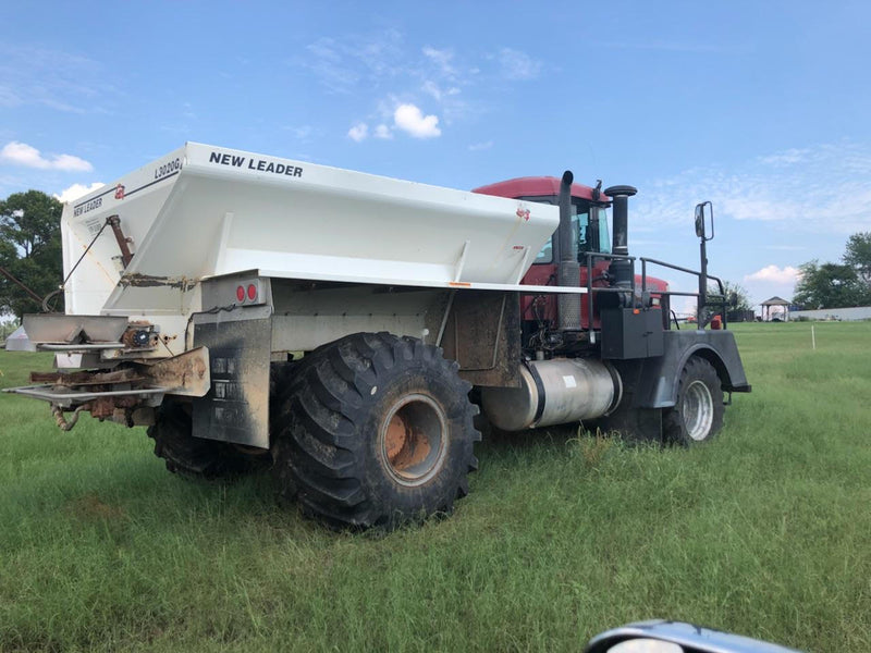 #DD1710 - 2000 Case FLX 4300 Spreader