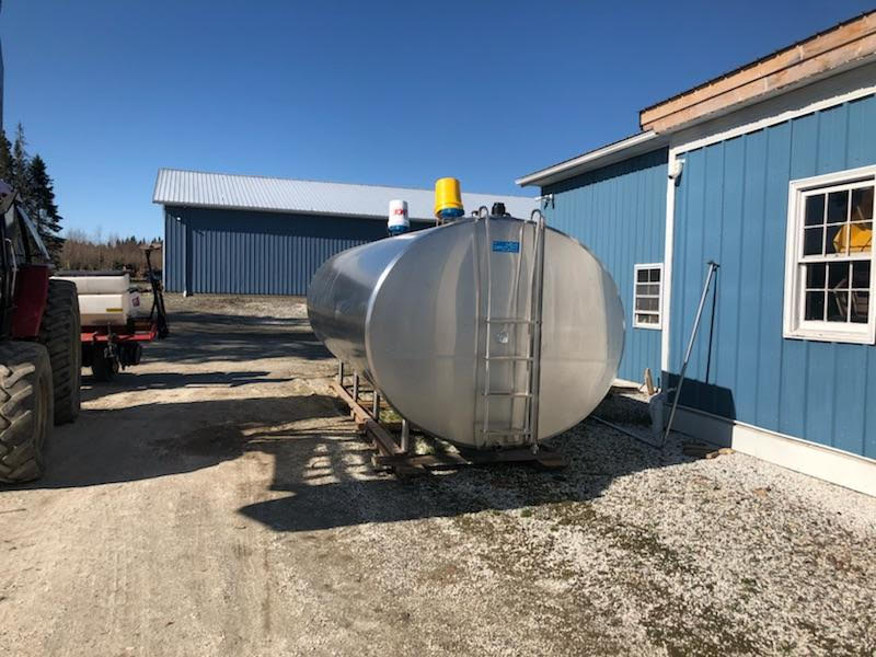 Listing #DD1638 - Delaval 5000 gallon Bulk Tank and Cooling