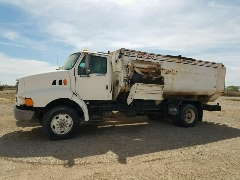Listing #DD1431 - 1996 Ford Louisville Feeder