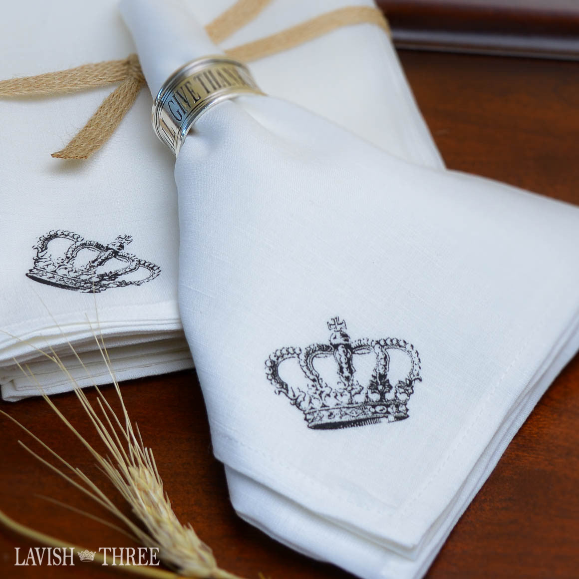 Organic cotton white cloth crown dinner napkins