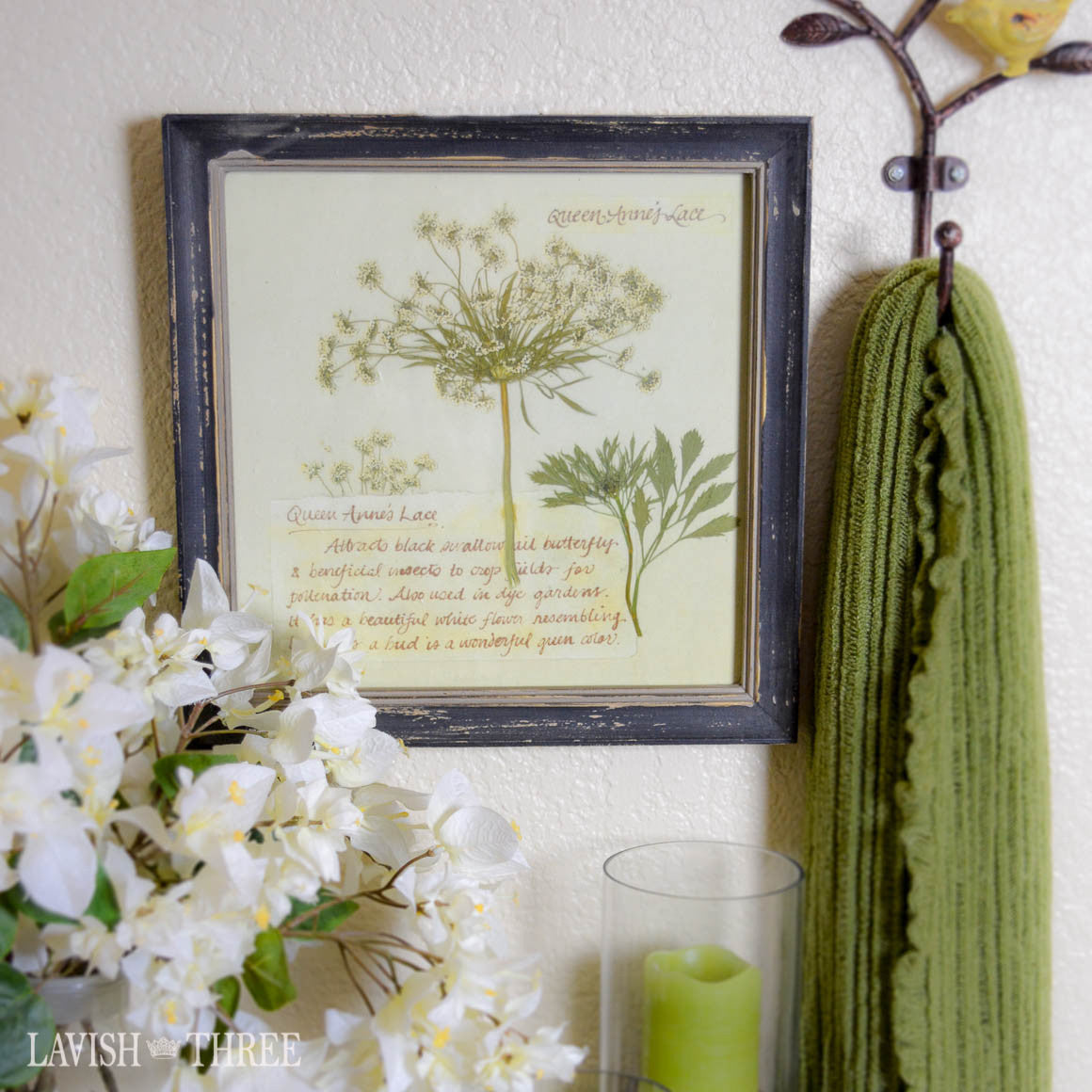 Queen Anne's lace print vintage wall art decor in cottage chic wood frame