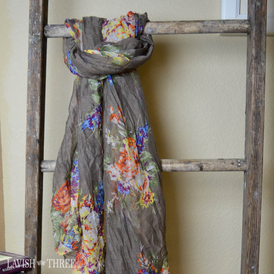 Country Chic floral print scarf in shaker-beige