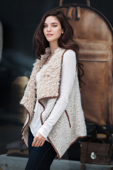 Trendy Faux Fur Vest in Vanillla