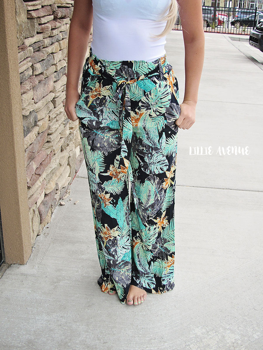 Tropical summer pants in navy