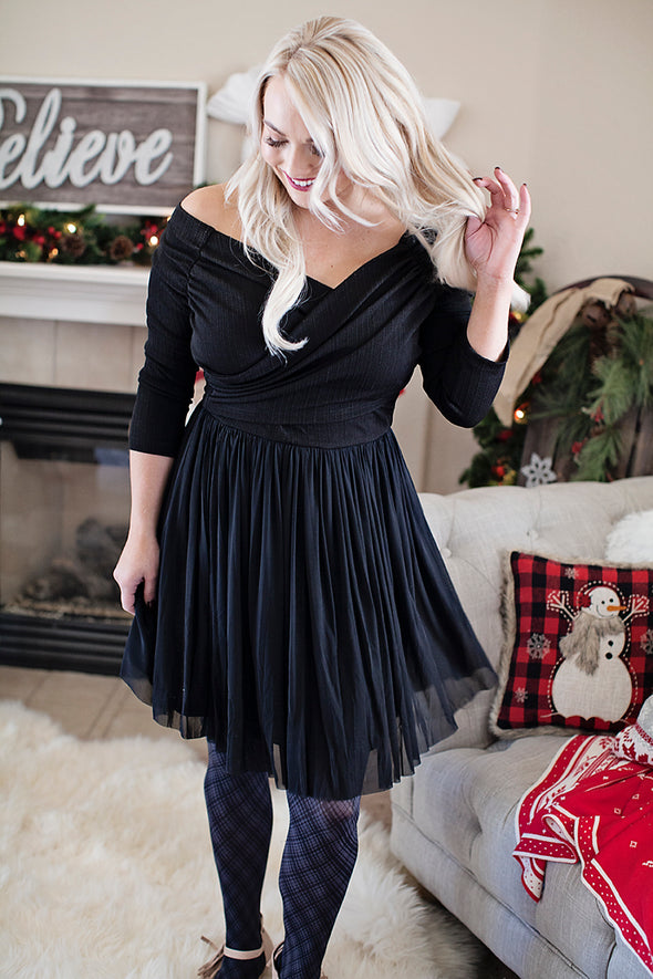 O Holy Night Dress in black