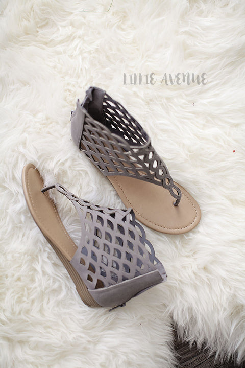 Cutout flat sandals in grey