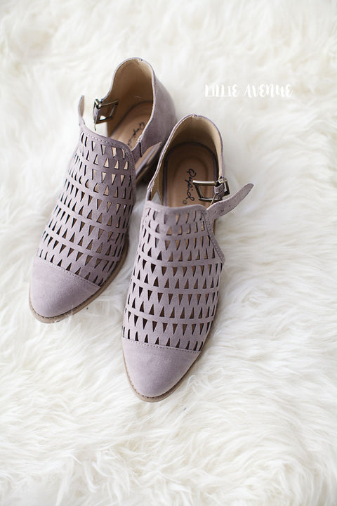 Kim cutout flats in taupe