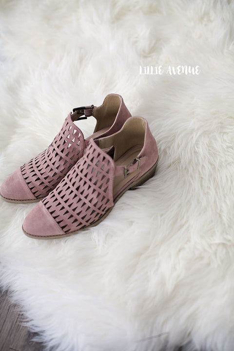Kim cutout flats in mauve