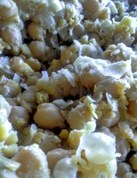 Hulling Chickpeas for Delicious Homemade Tempeh