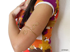 Gold upper arm cuff, High Priestess Armband, Hammered above the elbow bracelet.