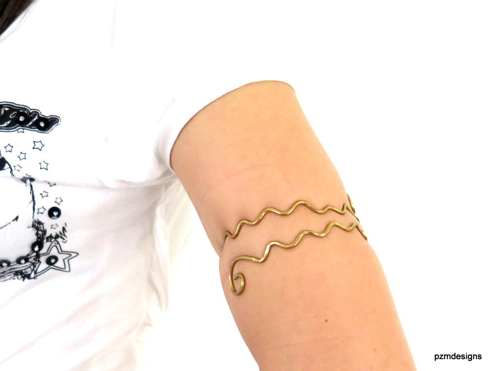 Gold wavy armlet, hammered brass upper arm cuff, above the elbow bohemian bracelet, festival jewlery - PZM Designs