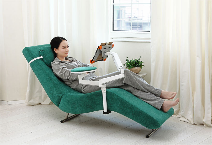 Ergonomic Recliner Chair With Laptop And Tablet Arms (EC04)