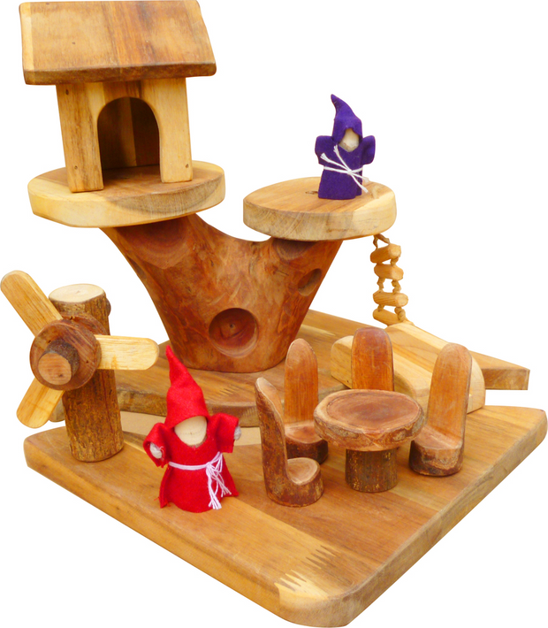 Q Toys Mini Gnome House