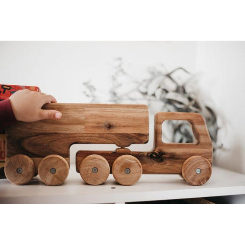 QToys Wooden Truck-Jack & Willow