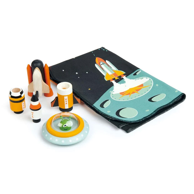 WoodenSpace Adventure Play Set - contetns