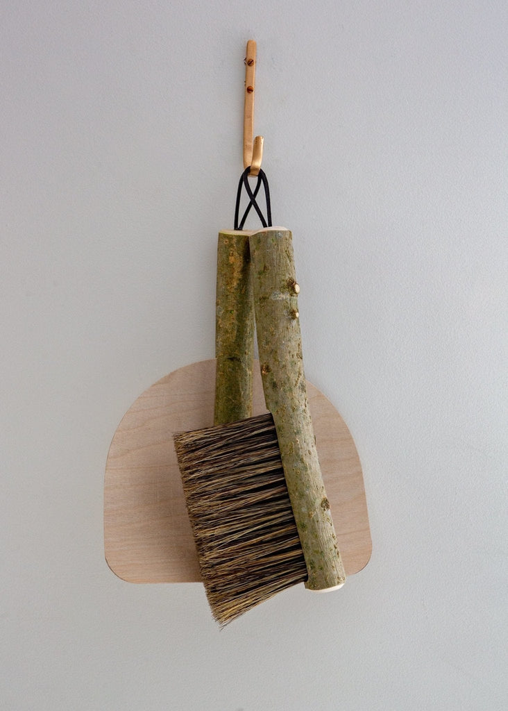 Geoffery Fisher Traditional Banister Brush and Pan - The Small Home