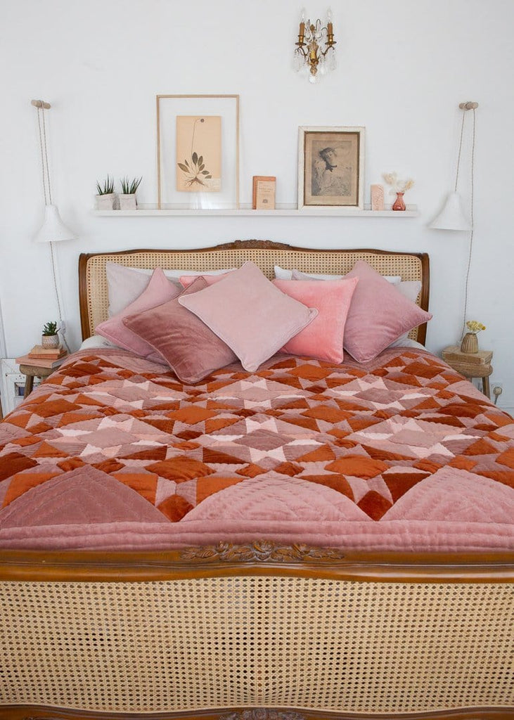 Projektityyny – Velvet Patchwork Quilt – Rust - The Small Home