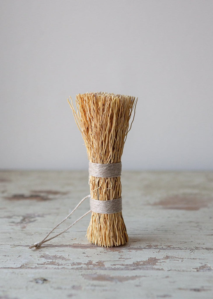 Washing-Up Whisk - The Small Home