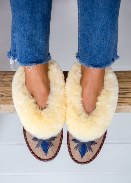Women's Sheepskin Moccasin Slippers – Sand/Midnight - The Small Home