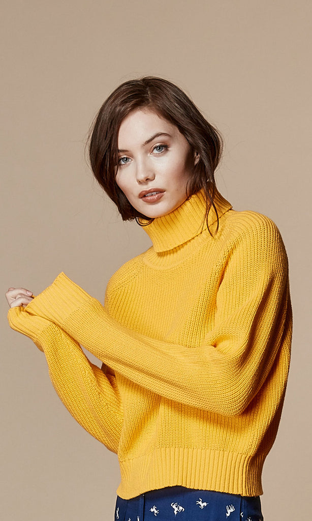 DAPHNE Turtleneck Sweater