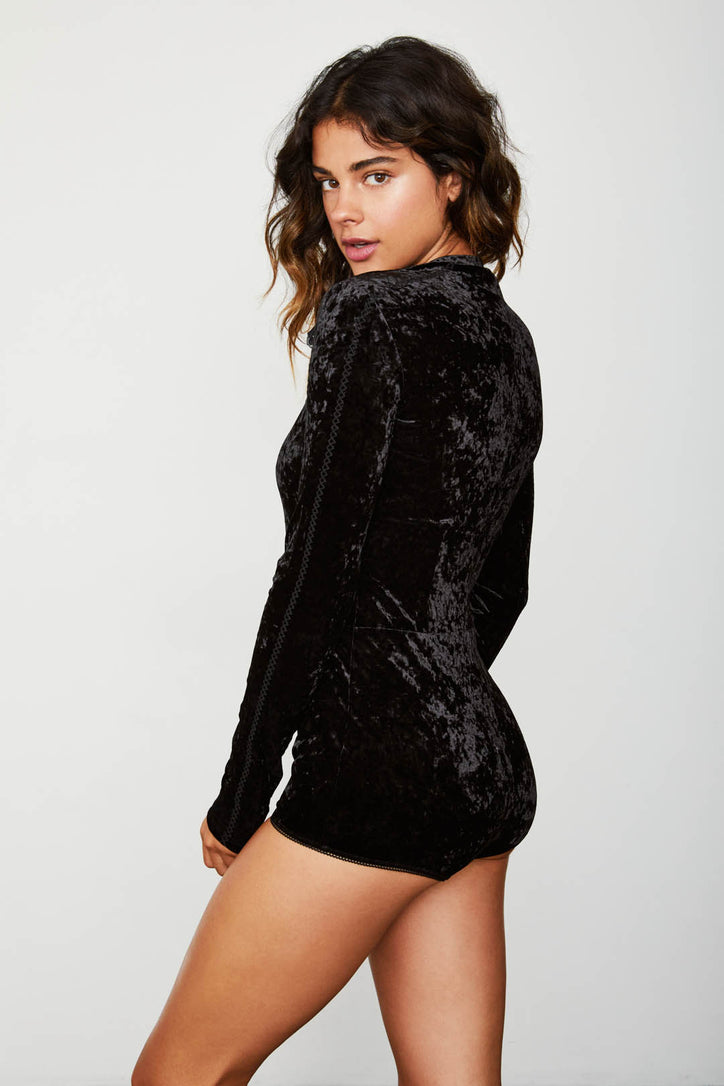 black stretch keyhole velvet bodysuit long sleeve