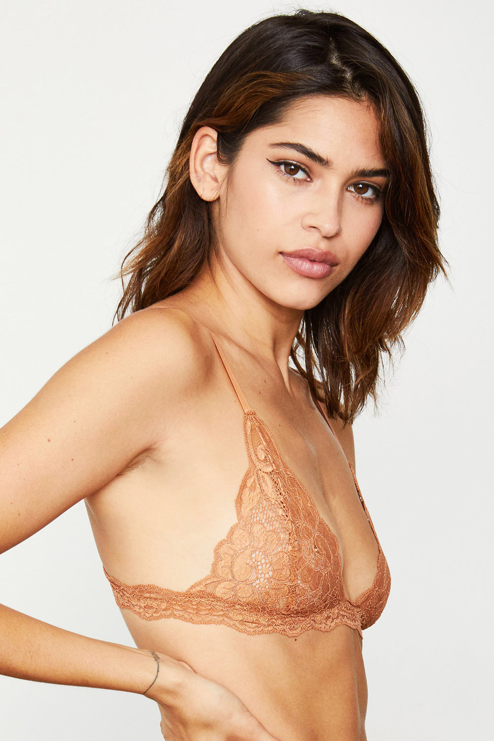 Brown lacy bralette. | Model is wearing size S